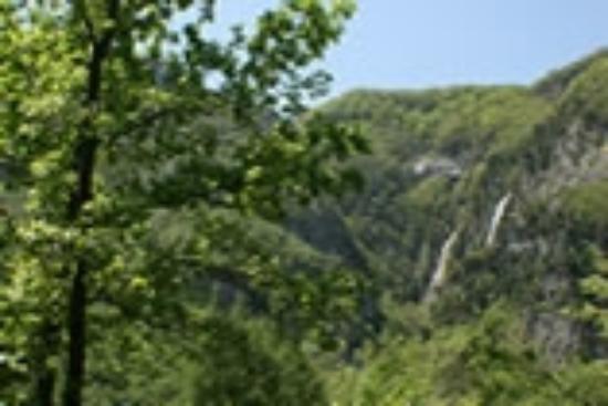 Casale unico alle pendici della cascata dello Schioppo